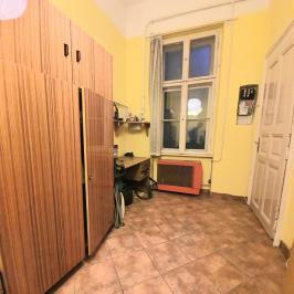 Eladó  téglalakás (<span class='notranslate'>Budapest, IX.  </span>kerület) 48,5 M   <span class='notranslate'>Ft</span>