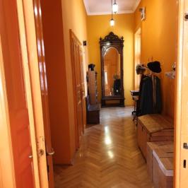 Eladó  téglalakás (<span class='notranslate'>Budapest, VIII.  </span>kerület) 75.5 M   <span class='notranslate'>Ft</span>