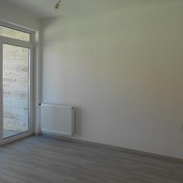 Eladó  téglalakás (<span class='notranslate'>Budapest, XIV.  </span>kerület) 69,9 M   <span class='notranslate'>Ft</span>