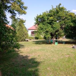 Eladó  családi ház (<span class='notranslate'>Budapest, III.  </span>kerület) 270 M   <span class='notranslate'>Ft</span>