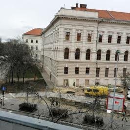 Eladó  téglalakás (<span class='notranslate'>Budapest, IX.  </span>kerület) 67.5 M   <span class='notranslate'>Ft</span>