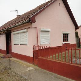 Eladó  családi ház (<span class='notranslate'>Máriapócs</span>, <span class='notranslate'></span>) 3,75 M   <span class='notranslate'>Ft</span>