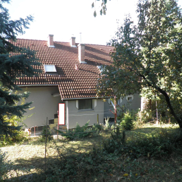 Eladó  családi ház (<span class='notranslate'>Budakeszi</span>, <span class='notranslate'></span>) 143,5 M   <span class='notranslate'>Ft</span>