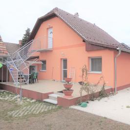 Eladó  családi ház (<span class='notranslate'>Veresegyház</span>, <span class='notranslate'>Széchenyidomb</span>) 54,5 M   <span class='notranslate'>Ft</span>