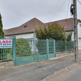 Eladó  családi ház (<span class='notranslate'>Ráckeve</span>, <span class='notranslate'>Belváros</span>) 27,9 M   <span class='notranslate'>Ft</span>