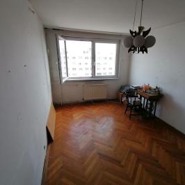 Eladó  panellakás (<span class='notranslate'>Budapest, III.  </span>kerület) 32,9 M   <span class='notranslate'>Ft</span>