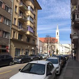 Kiadó  téglalakás (<span class='notranslate'>Budapest, I.  </span>kerület) 250 E   <span class='notranslate'>Ft</span>/hó
