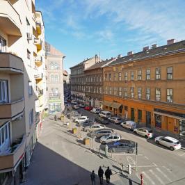 Eladó  téglalakás (<span class='notranslate'>Budapest, VII.  </span>kerület) 99.9 M   <span class='notranslate'>Ft</span>