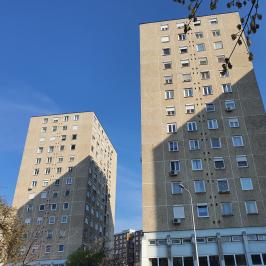 Eladó  panellakás (<span class='notranslate'>Budapest, XV.  </span>kerület) 31.7 M   <span class='notranslate'>Ft</span>