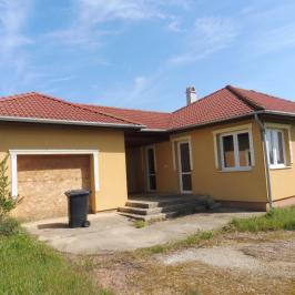 Eladó  családi ház (<span class='notranslate'>Nyíregyháza</span>, <span class='notranslate'>Báthory-lakópark</span>) 29.5 M   <span class='notranslate'>Ft</span>