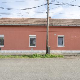 Eladó  családi ház (<span class='notranslate'>Orosháza</span>, <span class='notranslate'>Belváros</span>) 21,5 M   <span class='notranslate'>Ft</span>