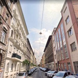 Eladó  téglalakás (<span class='notranslate'>Budapest, VI.  </span>kerület) 31,9 M   <span class='notranslate'>Ft</span>