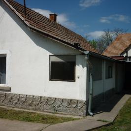 Eladó  családi ház (<span class='notranslate'>Jászfelsőszentgyörgy</span>, <span class='notranslate'></span>) 4,8 M   <span class='notranslate'>Ft</span>