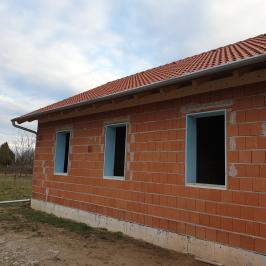 Eladó  családi ház (<span class='notranslate'>Vác</span>, <span class='notranslate'>Törökhegy</span>) 38,5 M   <span class='notranslate'>Ft</span>
