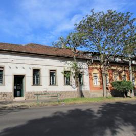Eladó  üzlethelyiség utcai bejáratos (<span class='notranslate'>Budapest, XIX.  </span>kerület) 60 M   <span class='notranslate'>Ft</span>