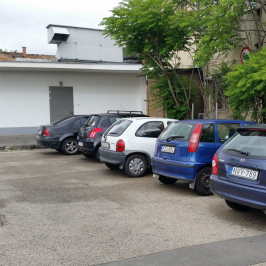 Eladó  üzlet (<span class='notranslate'>Budapest, XVIII.  </span>kerület) 64,79 M   <span class='notranslate'>Ft</span>