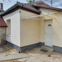 Eladó  családi ház (<span class='notranslate'>Dunakeszi</span>, <span class='notranslate'>Városközpont</span>) 41,9 M   <span class='notranslate'>Ft</span>