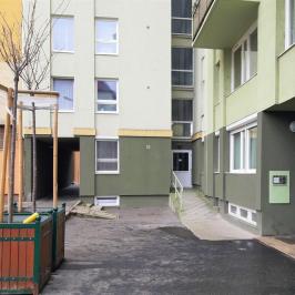 Eladó  panellakás (<span class='notranslate'>Budapest, VIII.  </span>kerület) 25,7 M   <span class='notranslate'>Ft</span>