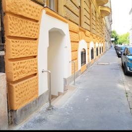 Eladó  raktár (<span class='notranslate'>Budapest, VI.  </span>kerület) 59,88 M   <span class='notranslate'>Ft</span>