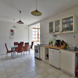 Eladó  családi ház (<span class='notranslate'>Budapest, XII.  </span>kerület) 264 M   <span class='notranslate'>Ft</span>