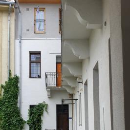 Kiadó  téglalakás (<span class='notranslate'>Budapest, VII.  </span>kerület) 160 E   <span class='notranslate'>Ft</span>/hó