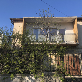 Eladó  családi ház (<span class='notranslate'>Budapest, XI.  </span>kerület) 157 M   <span class='notranslate'>Ft</span>
