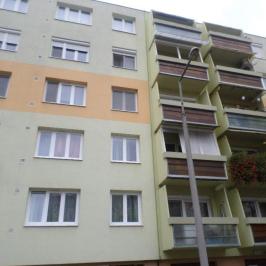 Eladó  panellakás (<span class='notranslate'>Szeged</span>, <span class='notranslate'>Fodorkert</span>) 21,4 M   <span class='notranslate'>Ft</span>