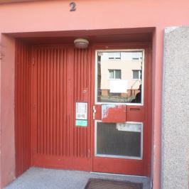 Eladó  panellakás (<span class='notranslate'>Szeged</span>, <span class='notranslate'>Újszeged</span>) 21,4 M   <span class='notranslate'>Ft</span>