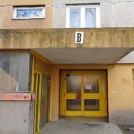 Eladó  panellakás (<span class='notranslate'>Szeged</span>, <span class='notranslate'>Északi városrész</span>) 23,4 M   <span class='notranslate'>Ft</span>