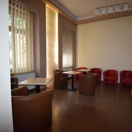 Kiadó  iroda (<span class='notranslate'>Budapest, I.  </span>kerület) 380 E   <span class='notranslate'>Ft</span>/hó