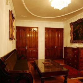 Eladó  villa (<span class='notranslate'>Budapest, III.  </span>kerület) 650 M   <span class='notranslate'>Ft</span>