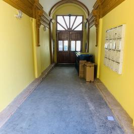 Eladó  téglalakás (<span class='notranslate'>Budapest, VII.  </span>kerület) 63,9 M   <span class='notranslate'>Ft</span>