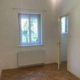 Kiadó  téglalakás (<span class='notranslate'>Budapest, II.  </span>kerület) 370 E   <span class='notranslate'>Ft</span>/hó