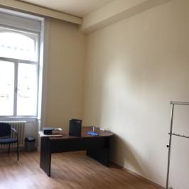 Kiadó  iroda (<span class='notranslate'>Budapest, V.  </span>kerület) 45,5 E   <span class='notranslate'>Ft</span>/hó +ÁFA