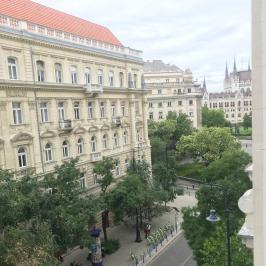 Kiadó  téglalakás (<span class='notranslate'>Budapest, V.  </span>kerület) 421,2 E   <span class='notranslate'>Ft</span>/hó
