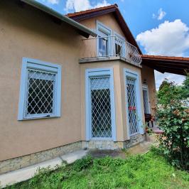 Eladó  családi ház (<span class='notranslate'>Budapest, XV.  </span>kerület) 89,9 M   <span class='notranslate'>Ft</span>