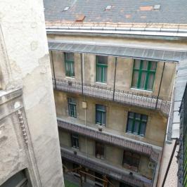 Eladó  téglalakás (<span class='notranslate'>Budapest, XIII.  </span>kerület) 52,9 M   <span class='notranslate'>Ft</span>