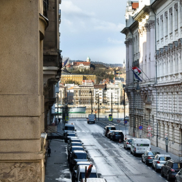 Eladó  téglalakás (<span class='notranslate'>Budapest, V.  </span>kerület) 177,5 M   <span class='notranslate'>Ft</span>