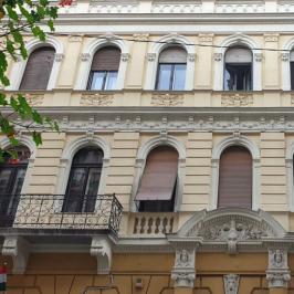 Eladó  téglalakás (<span class='notranslate'>Budapest, VII.  </span>kerület) 53,5 M   <span class='notranslate'>Ft</span>