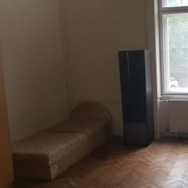Kiadó  téglalakás (<span class='notranslate'>Budapest, XI.  </span>kerület) 180 E   <span class='notranslate'>Ft</span>/hó
