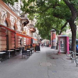 Kiadó  üzlethelyiség utcai bejáratos (<span class='notranslate'>Budapest, VII.  </span>kerület) 1 M   <span class='notranslate'>Ft</span>/hó