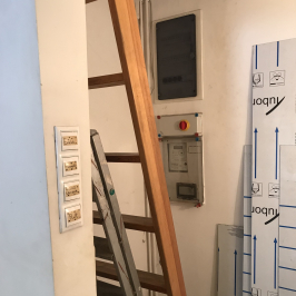 Eladó  üzlet (<span class='notranslate'>Budapest, V.  </span>kerület) 2,3 M   <span class='notranslate'>Ft</span>