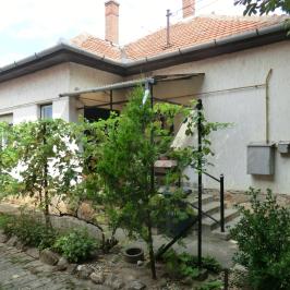 Eladó  családi ház (<span class='notranslate'>Mezőtúr</span>, <span class='notranslate'>Újváros</span>) 7,8 M   <span class='notranslate'>Ft</span>