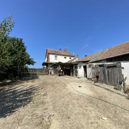 Eladó  családi ház (<span class='notranslate'>Bocska</span>, <span class='notranslate'>Belváros</span>) 16,5 M   <span class='notranslate'>Ft</span>