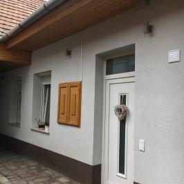 Eladó  családi ház (<span class='notranslate'>Vác</span>, <span class='notranslate'>Belváros</span>) 33 M   <span class='notranslate'>Ft</span>
