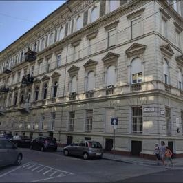 Eladó  iroda földszinti, utcai (<span class='notranslate'>Budapest, V.  </span>kerület) 319,9 M   <span class='notranslate'>Ft</span> +ÁFA