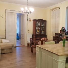 Eladó  családi ház (<span class='notranslate'>Vác</span>, <span class='notranslate'>Belváros</span>) 42,5 M   <span class='notranslate'>Ft</span>