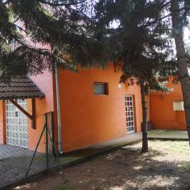 Eladó  családi ház (<span class='notranslate'>Budapest, XVIII.  </span>kerület) 51,9 M   <span class='notranslate'>Ft</span>