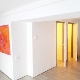 Eladó  üzlethelyiség utcai bejáratos (<span class='notranslate'>Budapest, VII.  </span>kerület) 35 M   <span class='notranslate'>Ft</span>