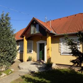 Eladó  családi ház (<span class='notranslate'>Érd</span>, <span class='notranslate'>Parkváros(M7-től délre Alsó Parkváros és Parkváros</span>) 59,8 M   <span class='notranslate'>Ft</span>